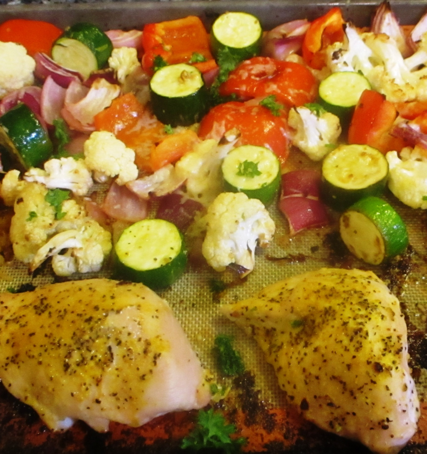 Lemon Garlic Chicken & Vegetable Sheet Pan Recipe